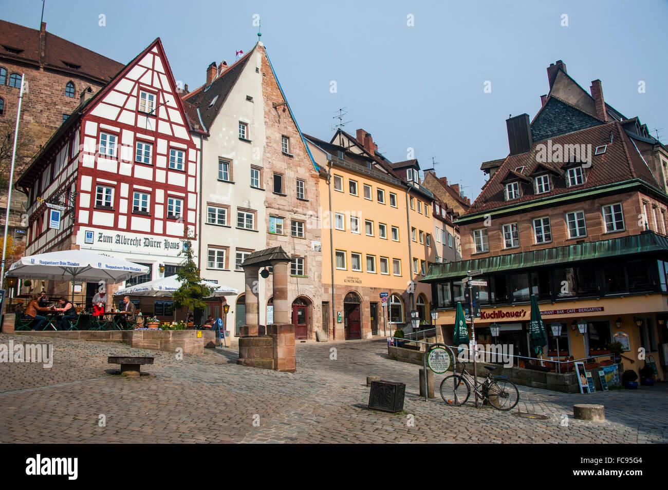 Fachwerkhäusern auf Albrecht Duerer Platz im Zentrum mittelalterlichen Stadt der Nürnberger Altstadt, Stockbild