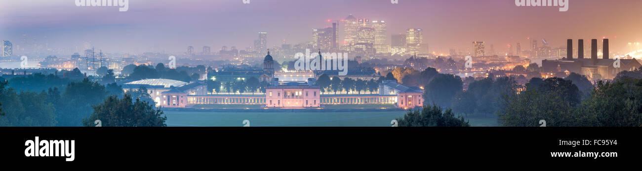 Greenwich Maritime Museum und Canary Wharf von Greenwich Observatorium, London, England, Vereinigtes Königreich, Stockbild