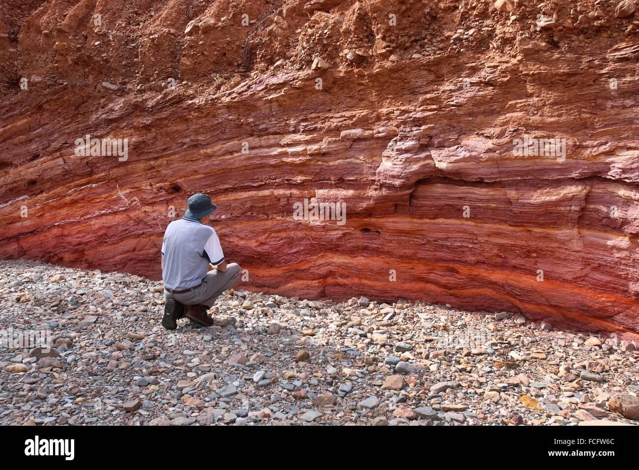 Ockerfarbenen Wand traditionell von Aborigines verwendet. Arkaroola, Flinders Ranges, South Australia. Stockbild