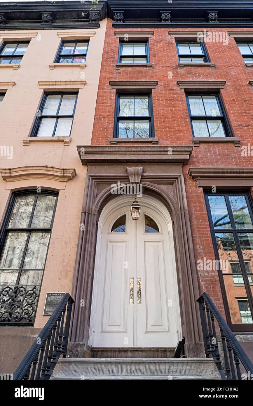 Elegante Fronteinstieg Doppeltüren auf einem Greenwich Village, New ...