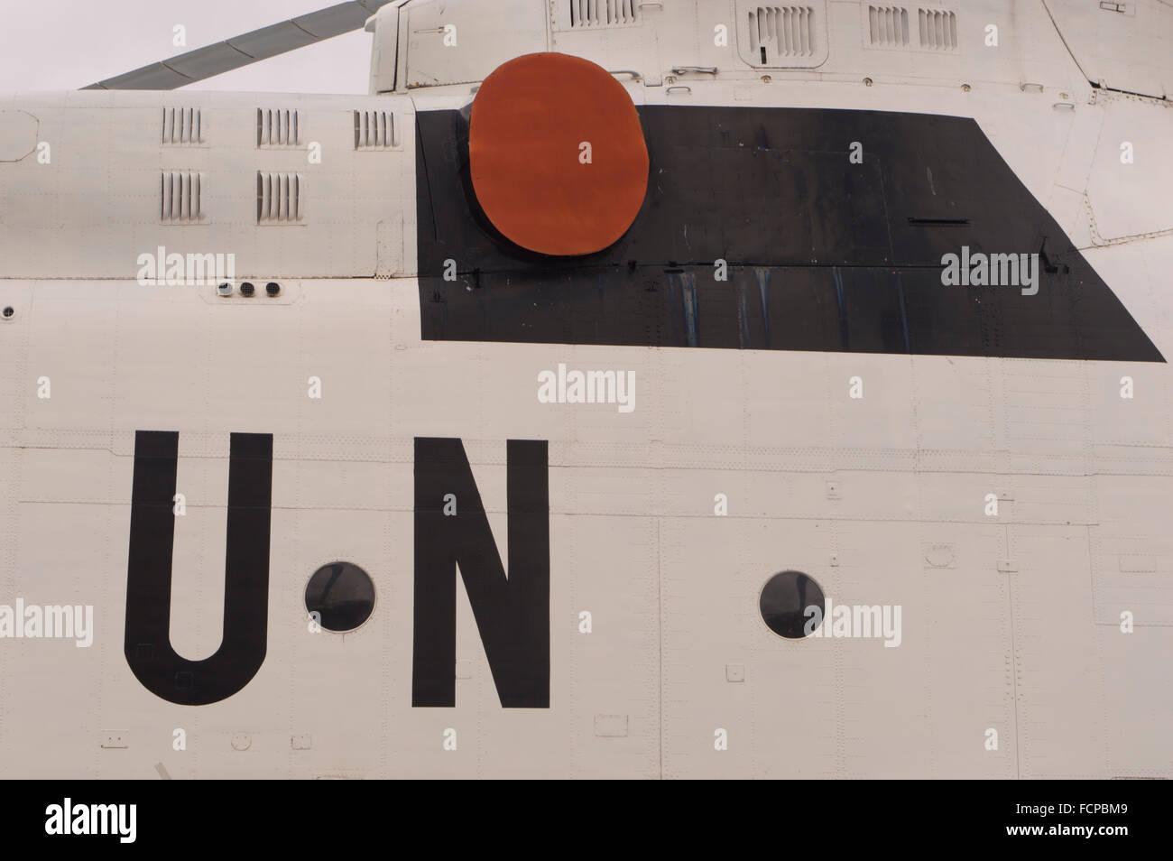 UN-Symbol auf Hubschrauber Stockbild