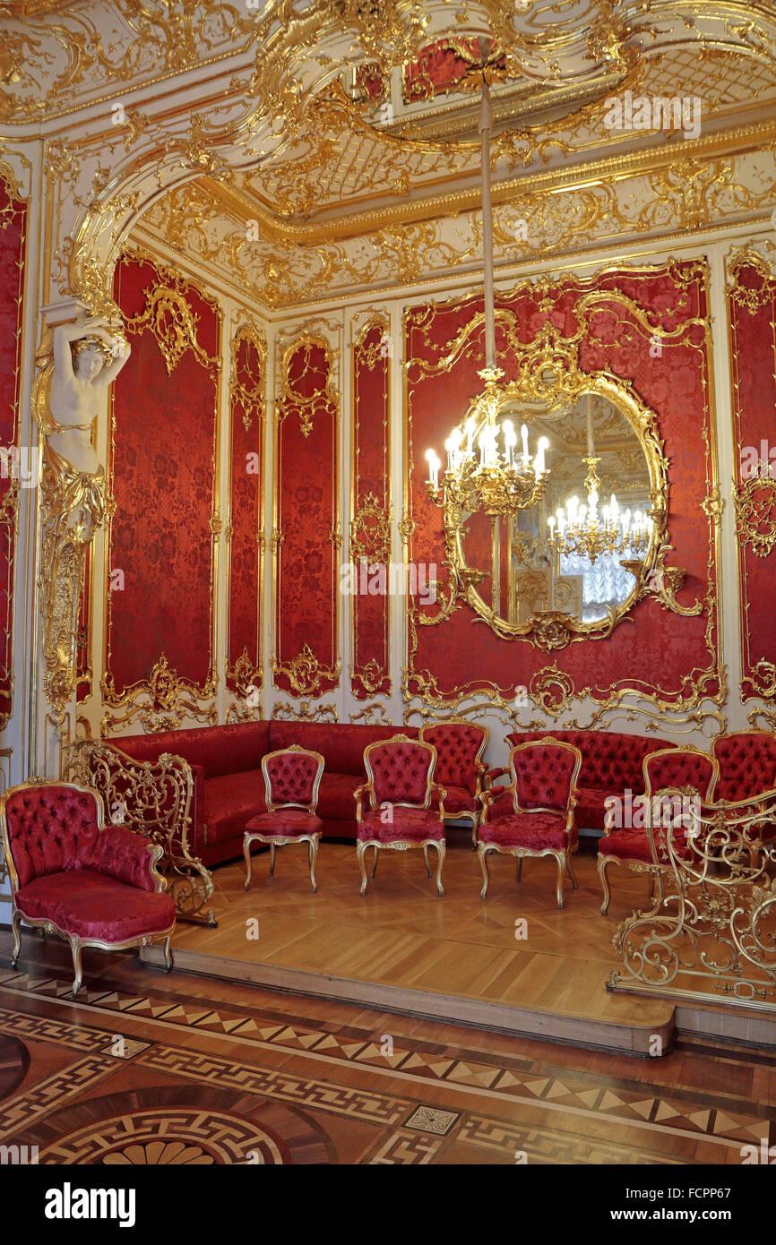 barock mobel im boudoir von kaiserin maria alexandrovna eremitage sankt petersburg russland