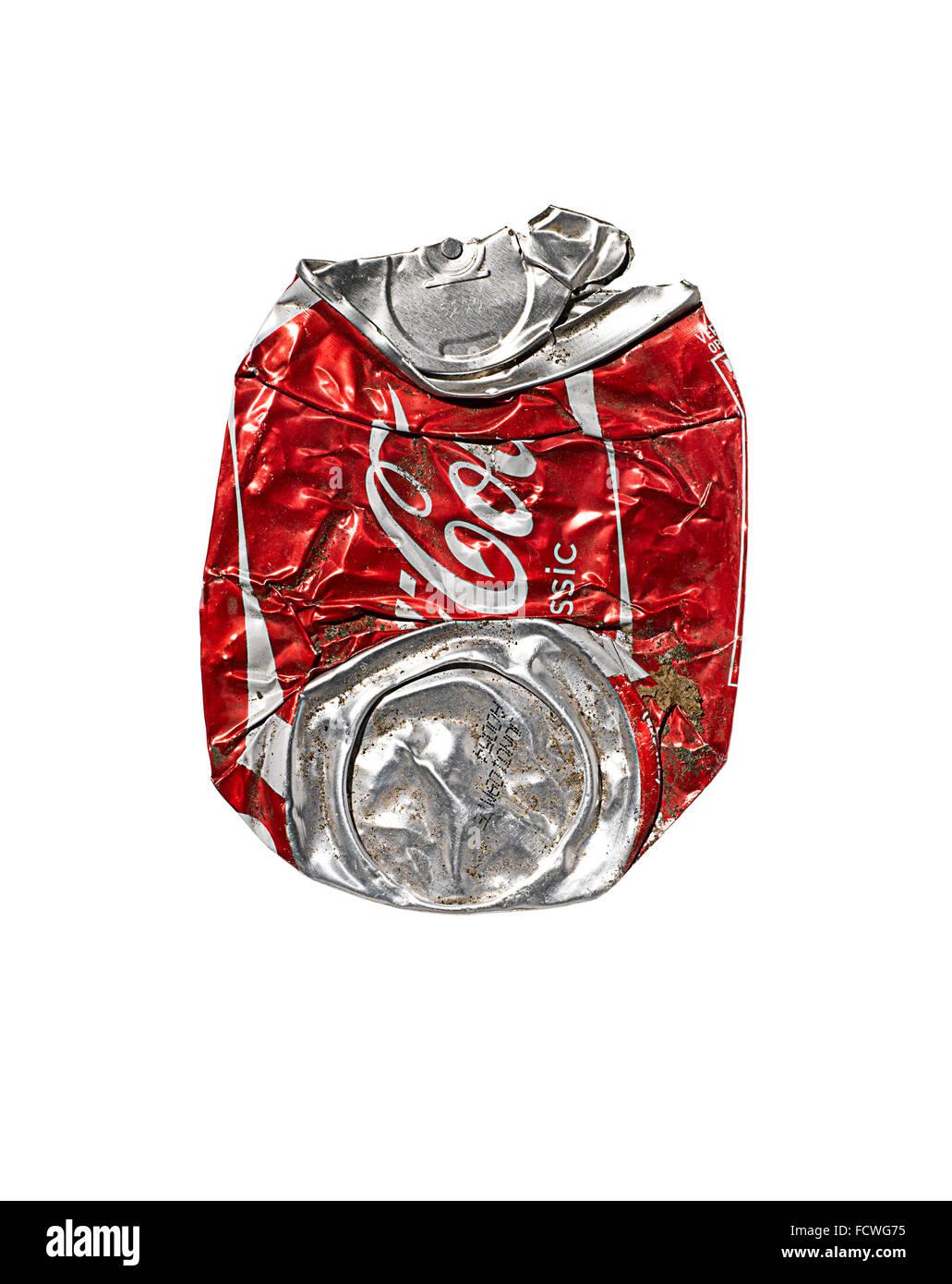 Eine zerdrückte Dose Coca Cola Stockbild