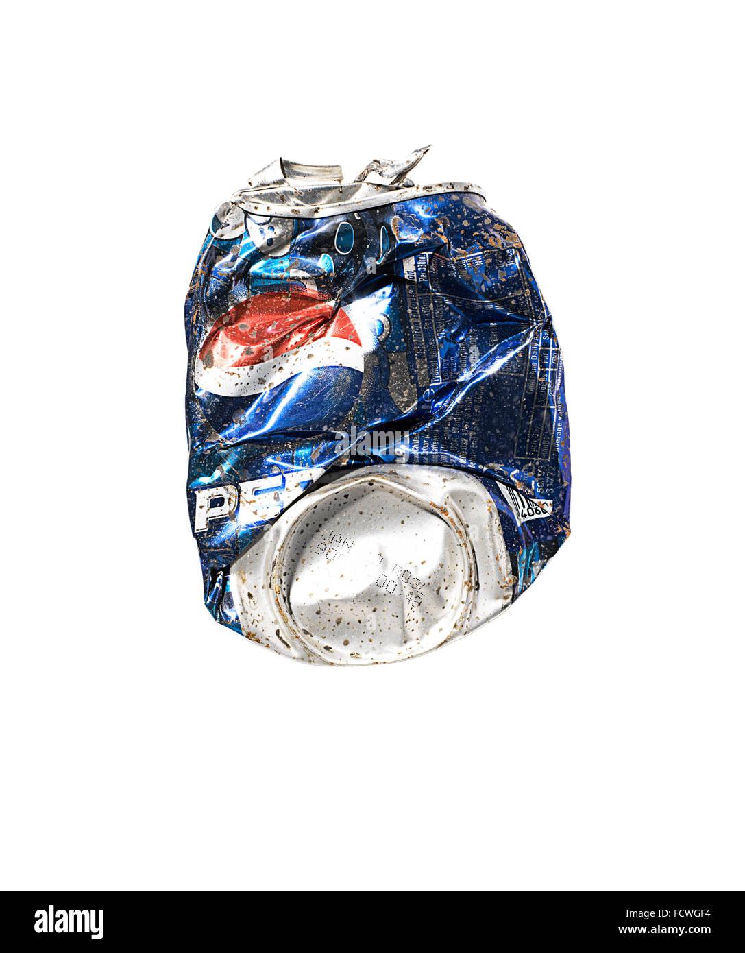 Eine zerdrückte Dose Pepsi Stockbild