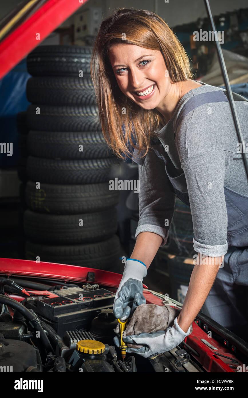Auto Garage Stockfotos & Auto Garage Bilder - Alamy