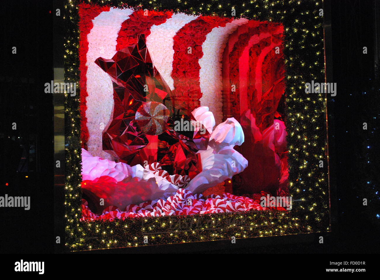 bloomingdales new york christmas stockfotos. Black Bedroom Furniture Sets. Home Design Ideas