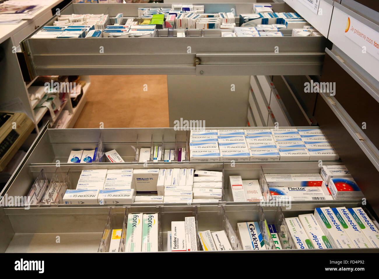 Drogerie. Medikamente. Stockfoto