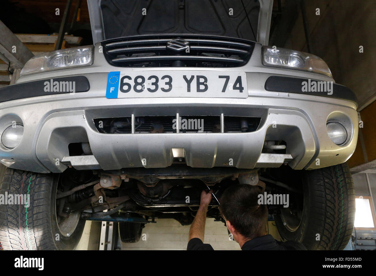 France garage car stockfotos france garage car bilder for Garage ford vienne