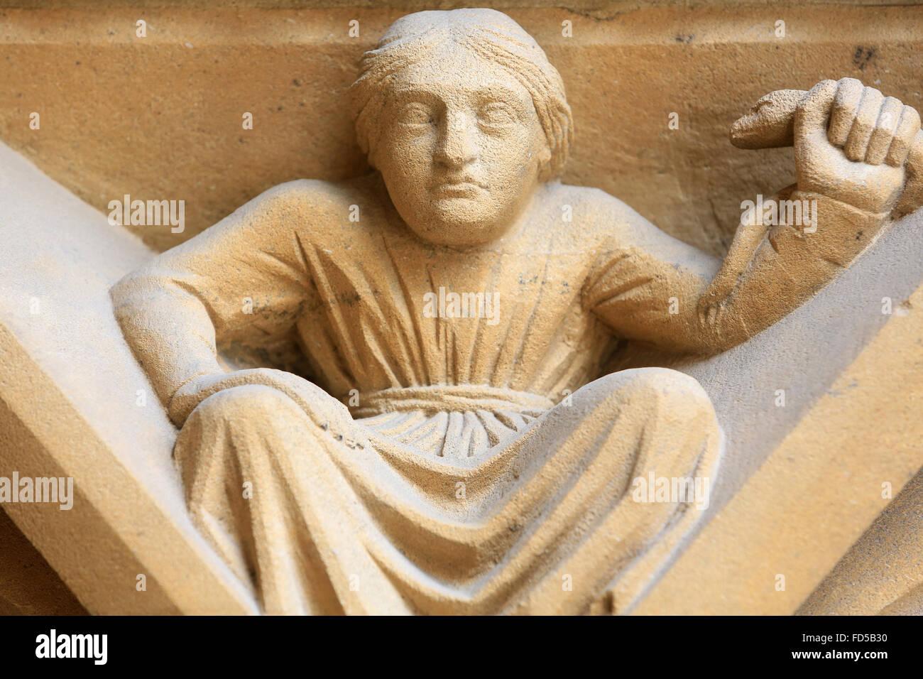 Symbolische Darstellung. Die Schlange. Portal der Jungfrau Maria. 13. Jahrhundert. Gothic. St. Stephen Kathedrale Stockbild