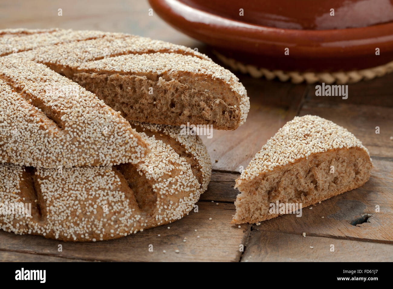 Frisch gebackene marokkanische Grieß Brot Stockbild