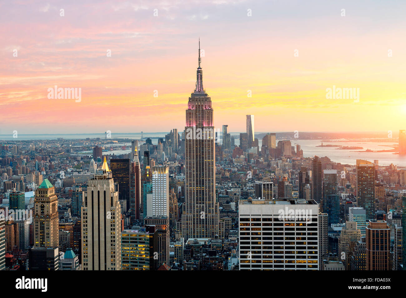 New York City Skyline mit Empire State Building Stockbild