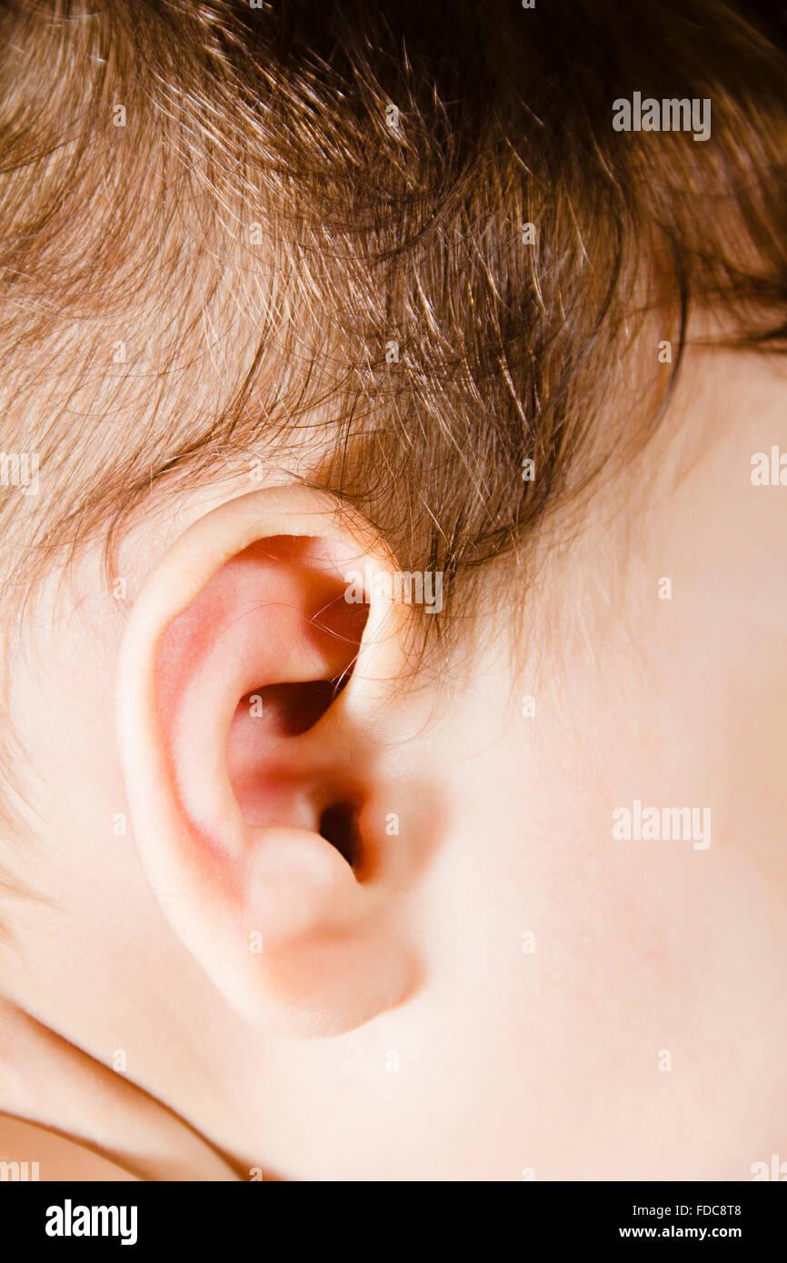 1 Kind Baby Boy Ohr Stockfoto