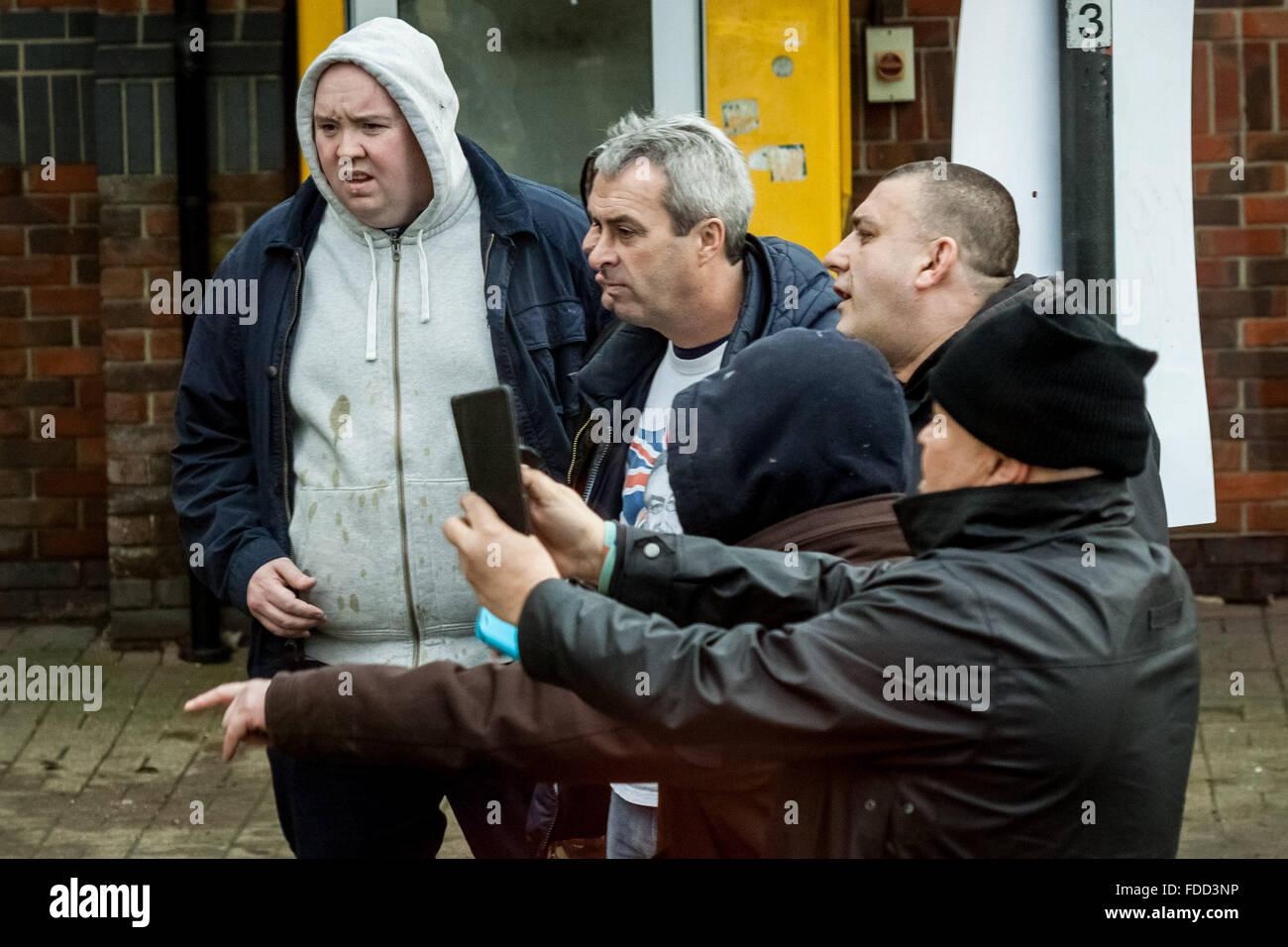 Kent, UK. 30. Januar, 2016. Far-Right nationalistische Gruppen heftig aufeinanderprallen mit London Antifaschisten Stockbild