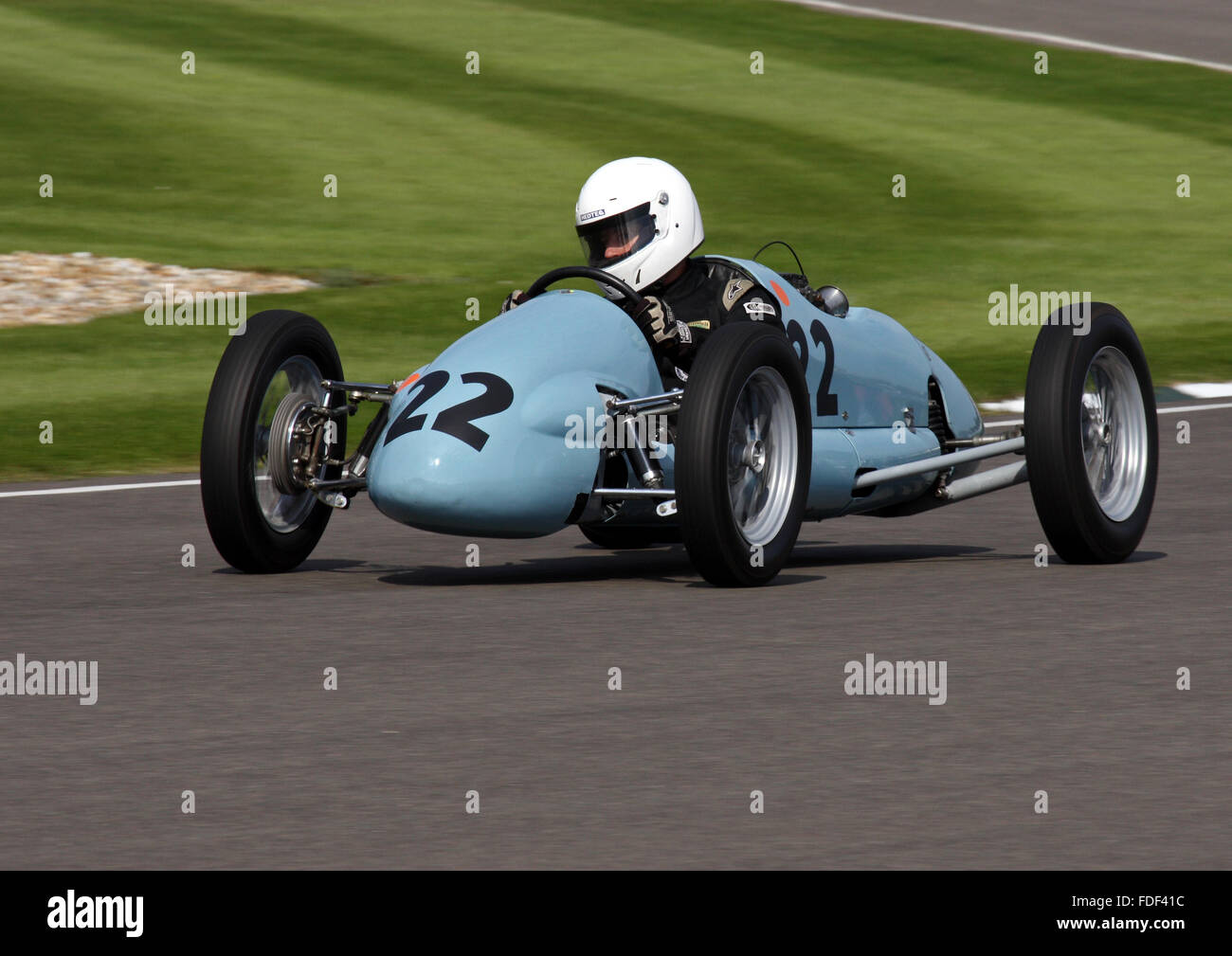 Simon Frost eine Martin-Norton beim Goodwood Revival 2015 in The Earl Of März racing Trophy. Stockbild