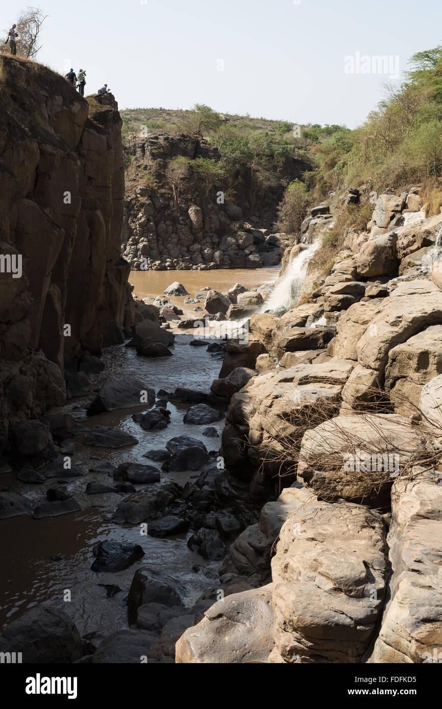 Ein Wasserfall in einer felsigen Schlucht in den Awash Nationalpark, Äthiopien Stockbild