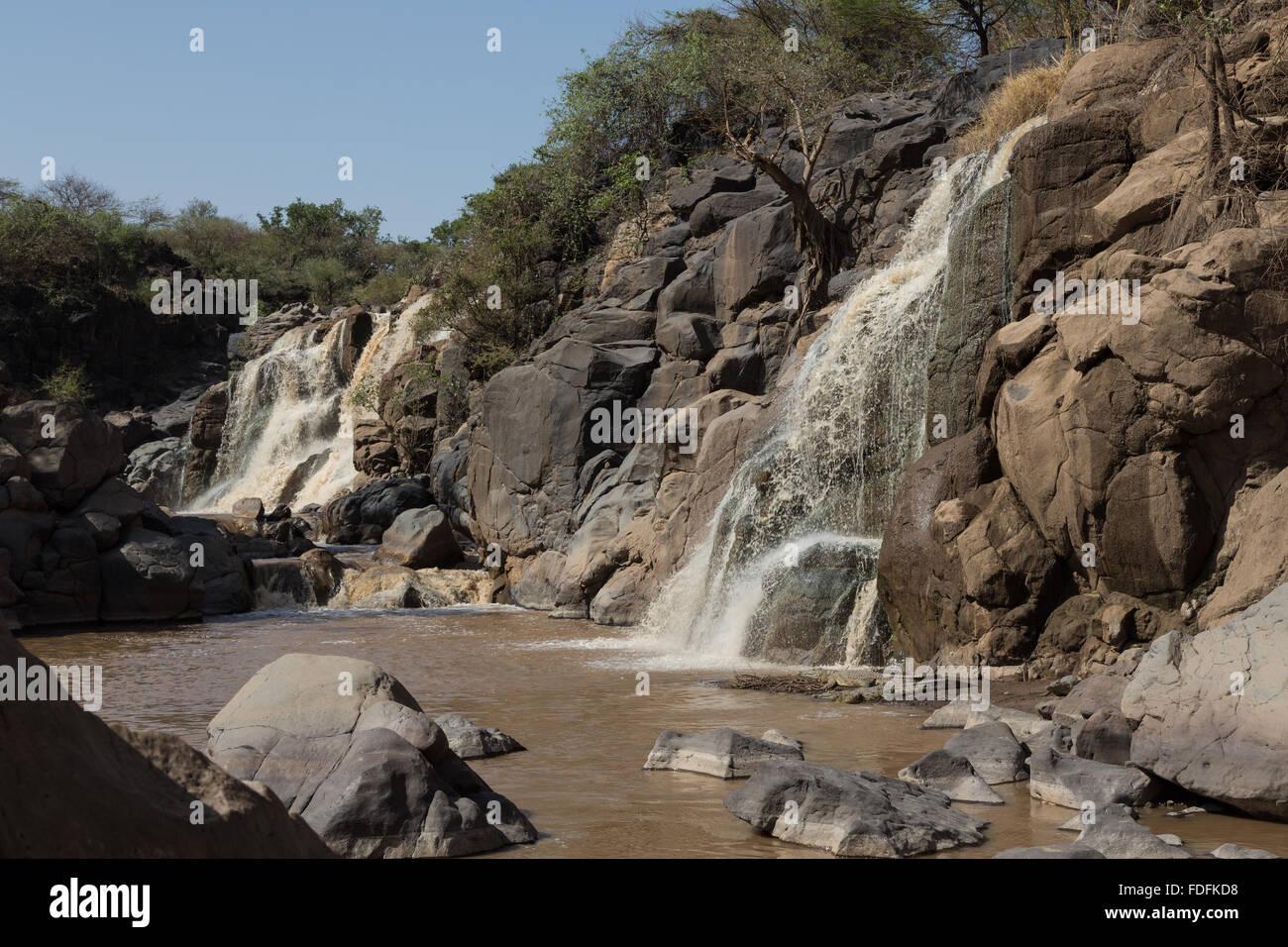 Ein Wasserfall in einer felsigen Schlucht in den Awash Nationalpark, Äthiopien Stockfoto