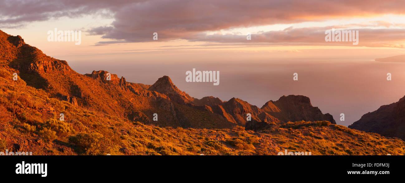 Teno-Gebirge bei Sonnenuntergang, Teneriffa, Kanarische Inseln, Spanien Stockbild