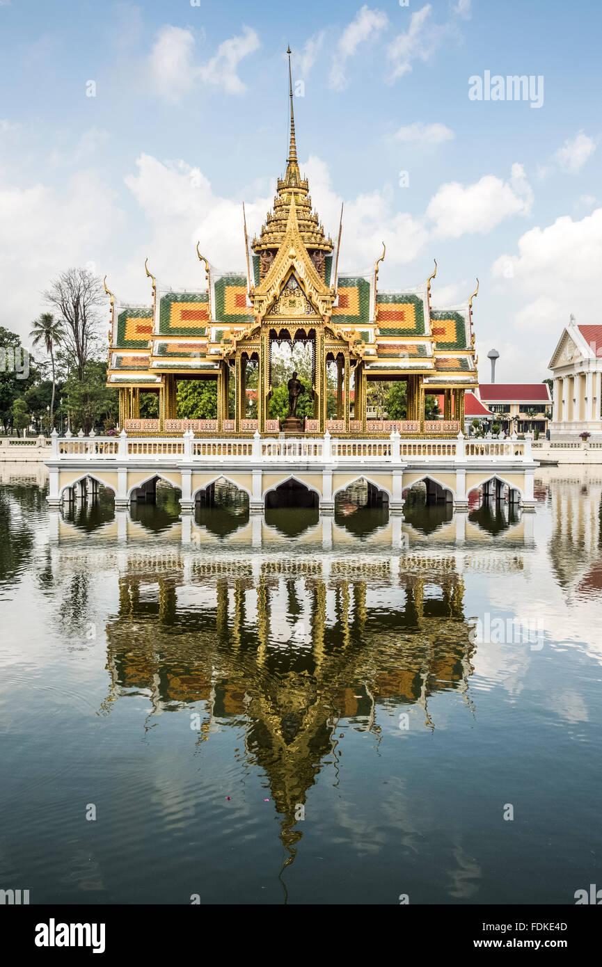 Dekorative Bauten Und Gärten Im Sommer Palast Der Bang Pa In