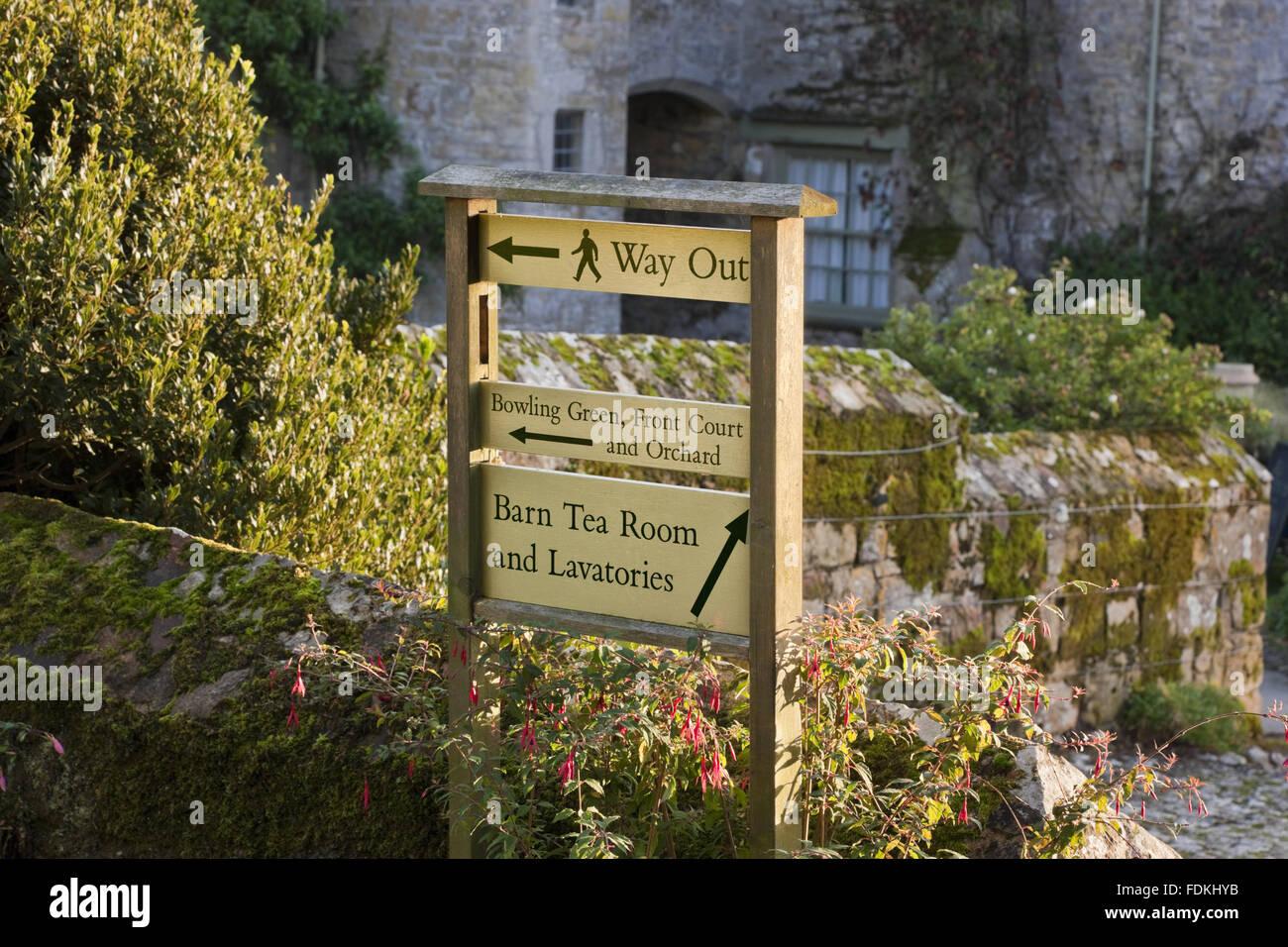 Ein Beispiel für die Beschilderung am Trerice, Cornwall verwendet. Stockbild