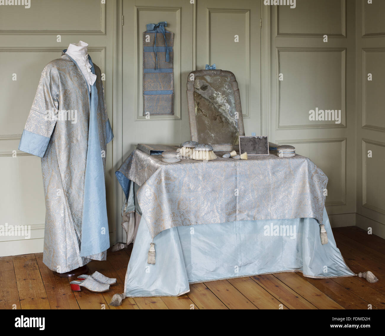 Eine Anzeige Der Kostüm Und Toilette Artikel Bei Ham House Surrey
