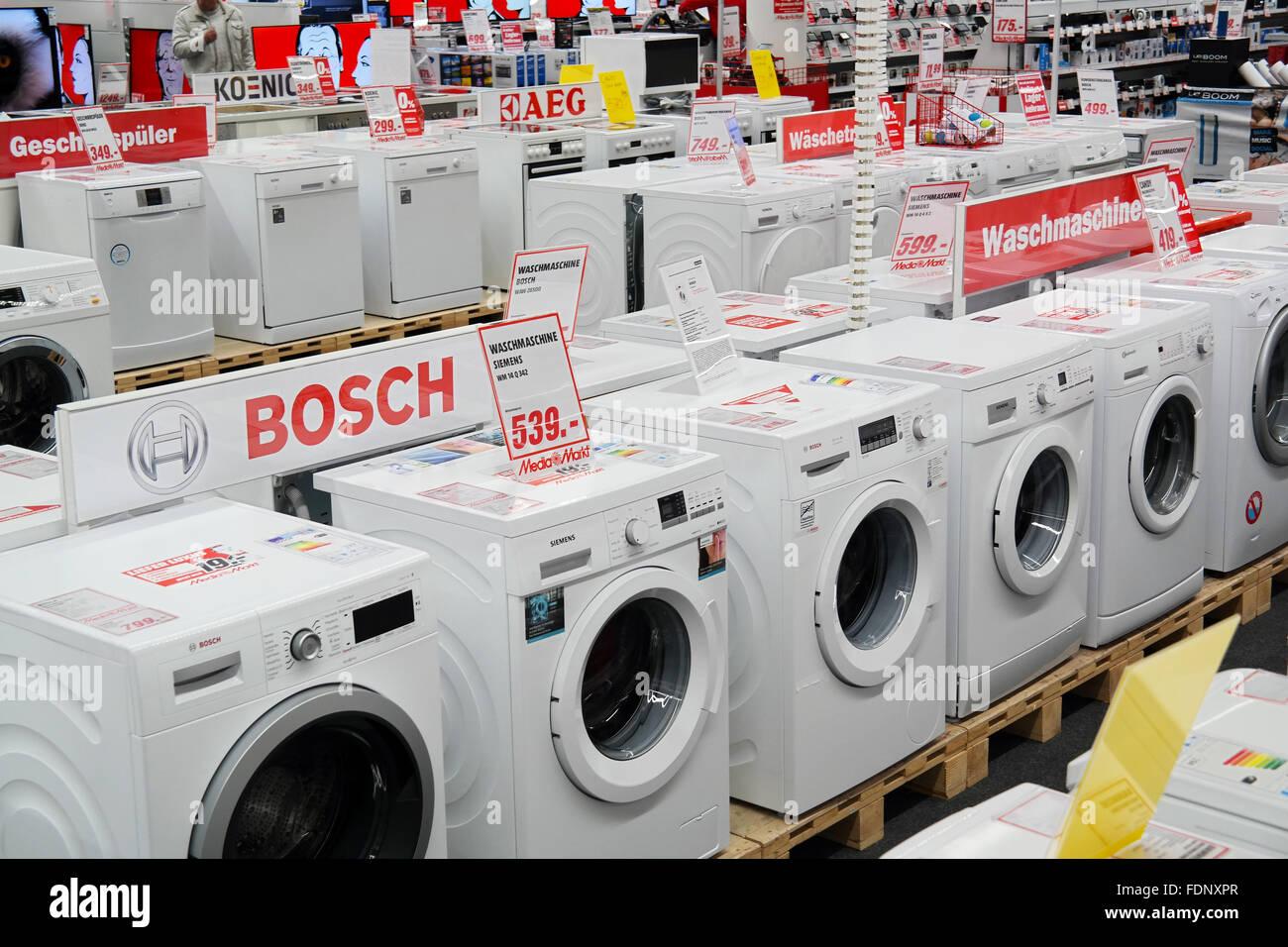 MediaMarkt Speichern Waschmaschinen SB Warenhaus Der Haushalts Und Elektronische Gerate Stockbild