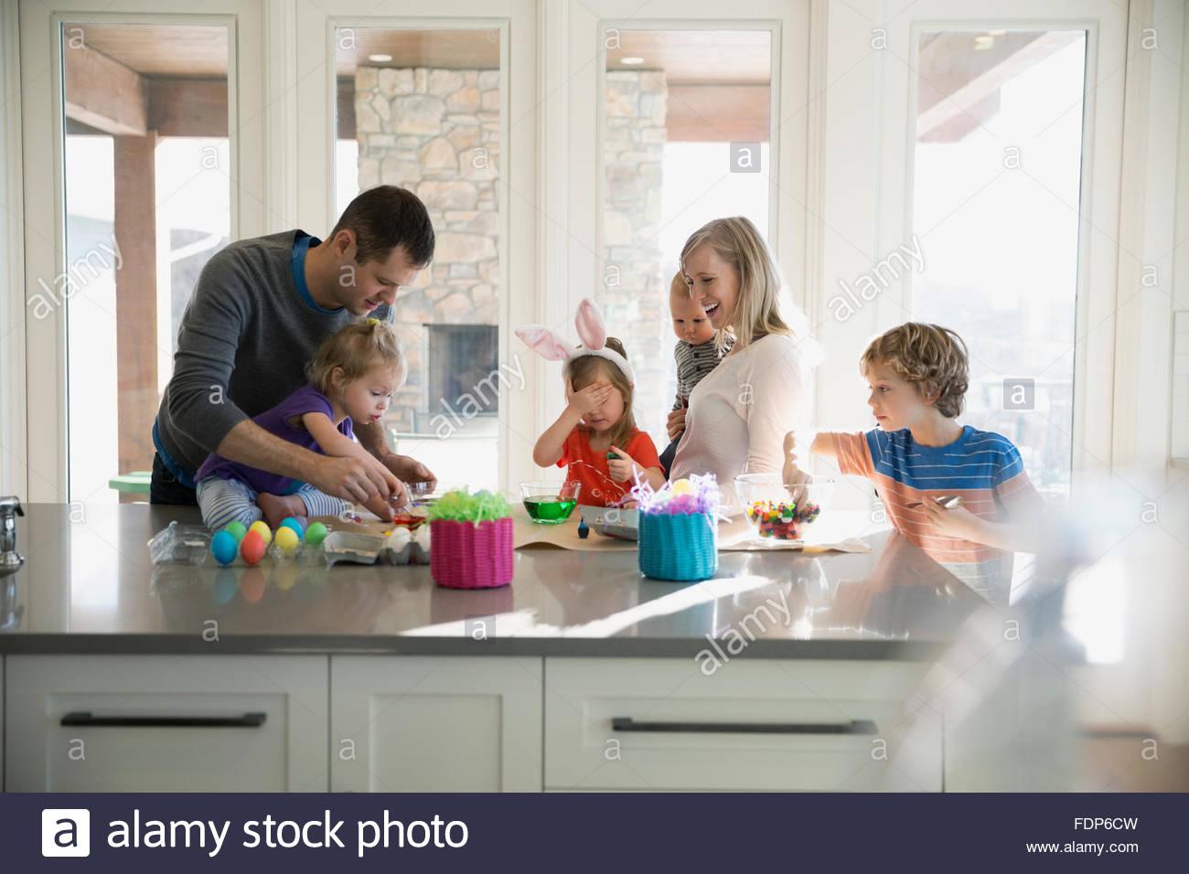 Egg Dye Stockfotos & Egg Dye Bilder - Alamy