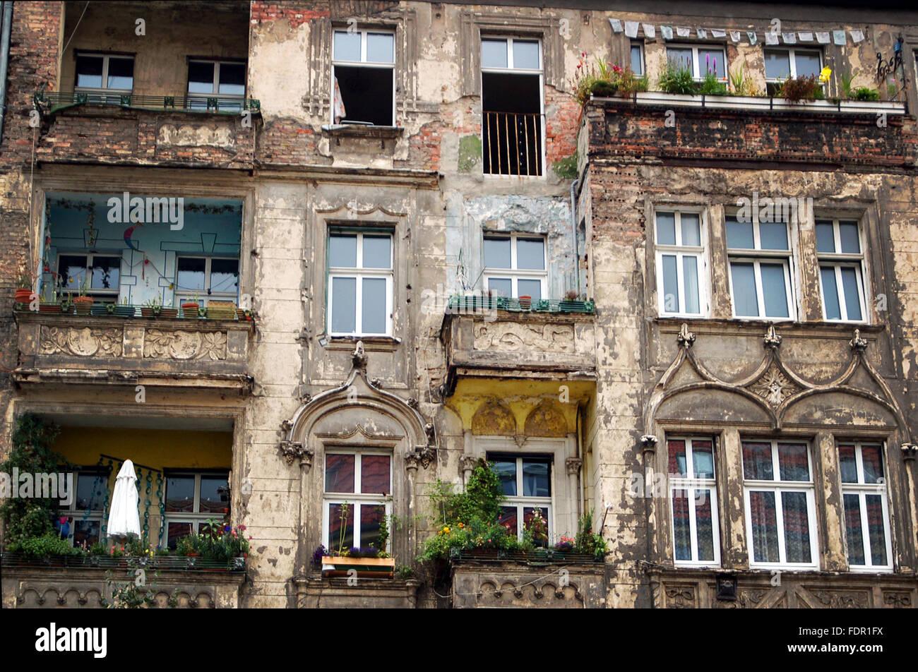 Alling Balkon Altbau Unrenovierten Stockfoto Bild 94548494 Alamy