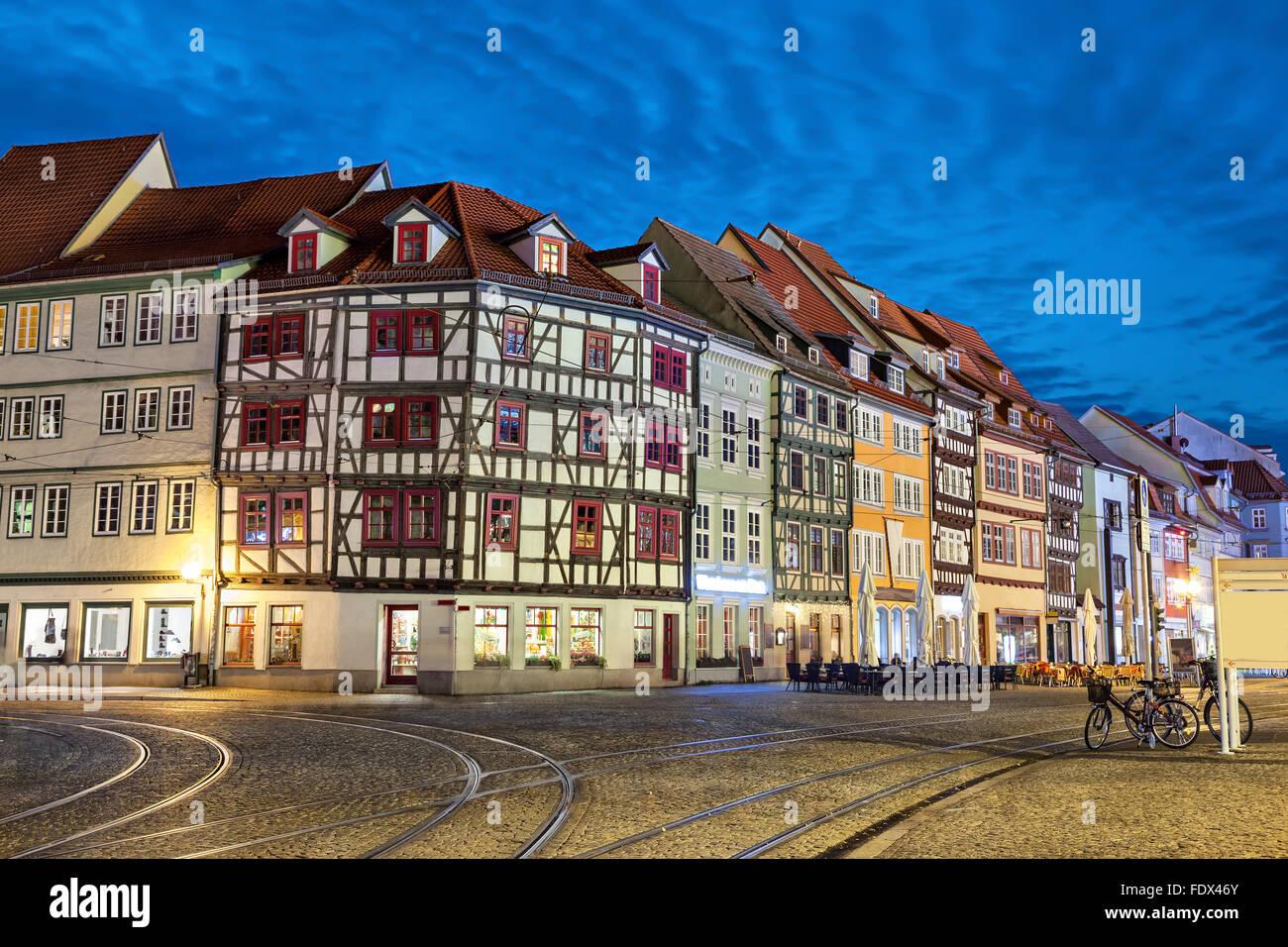Traditionelle deutsche Fachwerk Häuser auf dem Domplatz Platz in Erfurt, Thüringen, Deutschland Stockbild