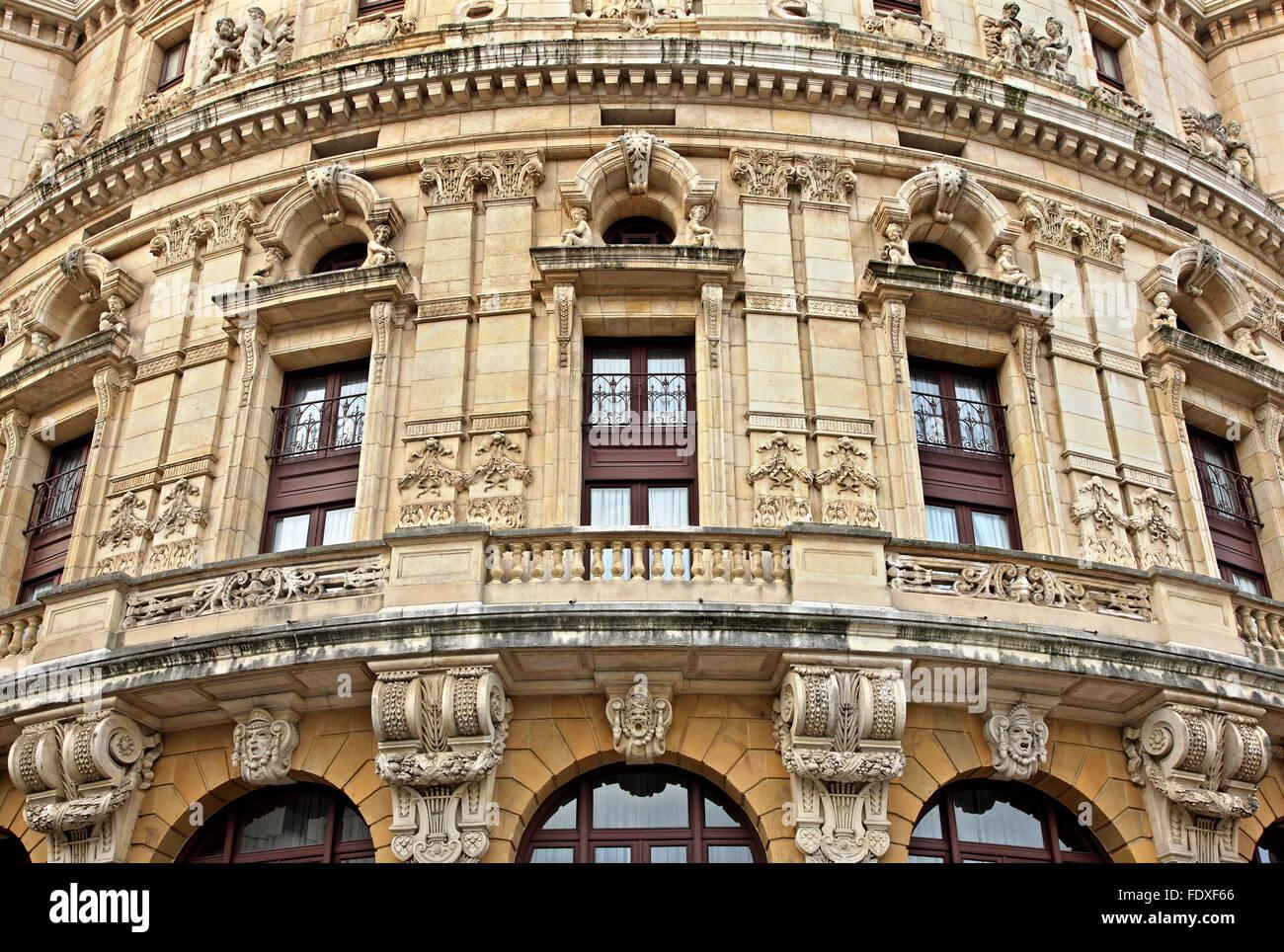 'Detail' aus der Fassade des Arriaga Theater an der Casco Viejo (Altstadt) von Bilbao, Baskenland, Spanien. Stockbild