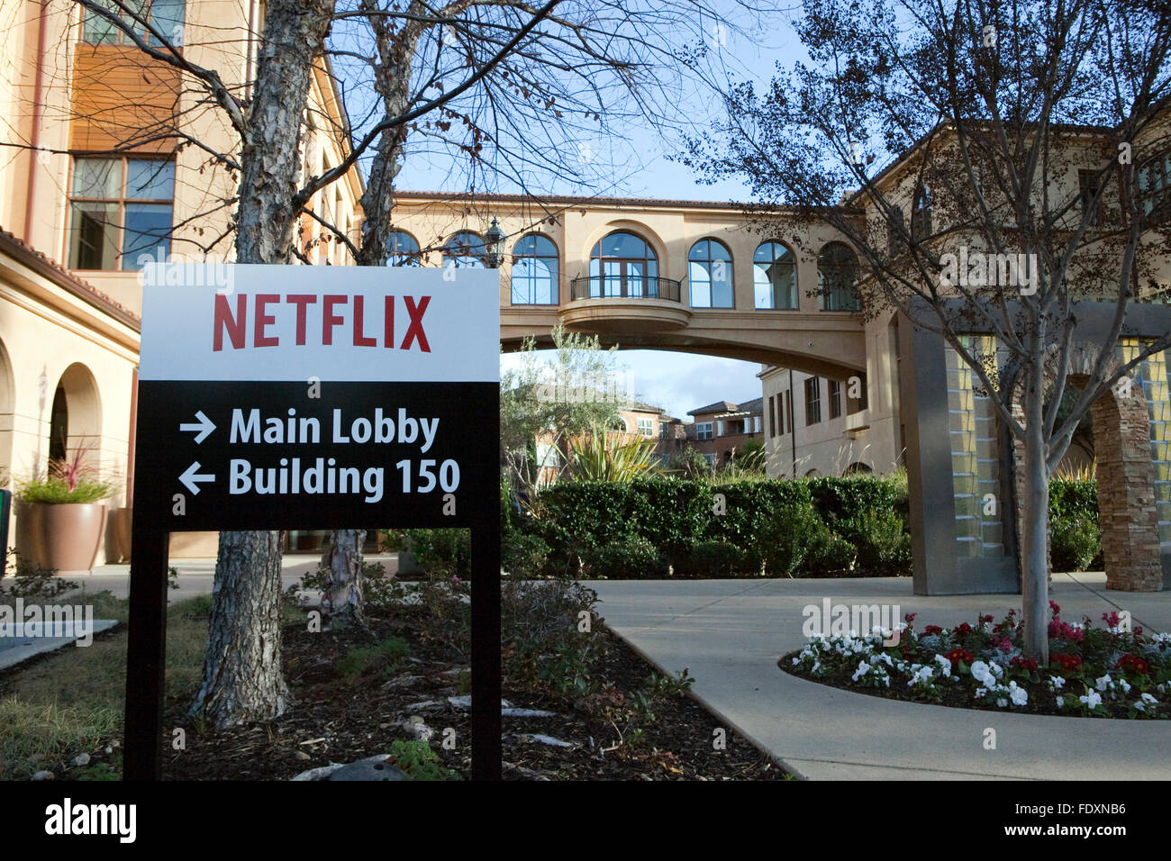 Eine Ansicht eines Zeichens Netflix Hauptquartier in Los Gatos, Kalifornien Stockbild