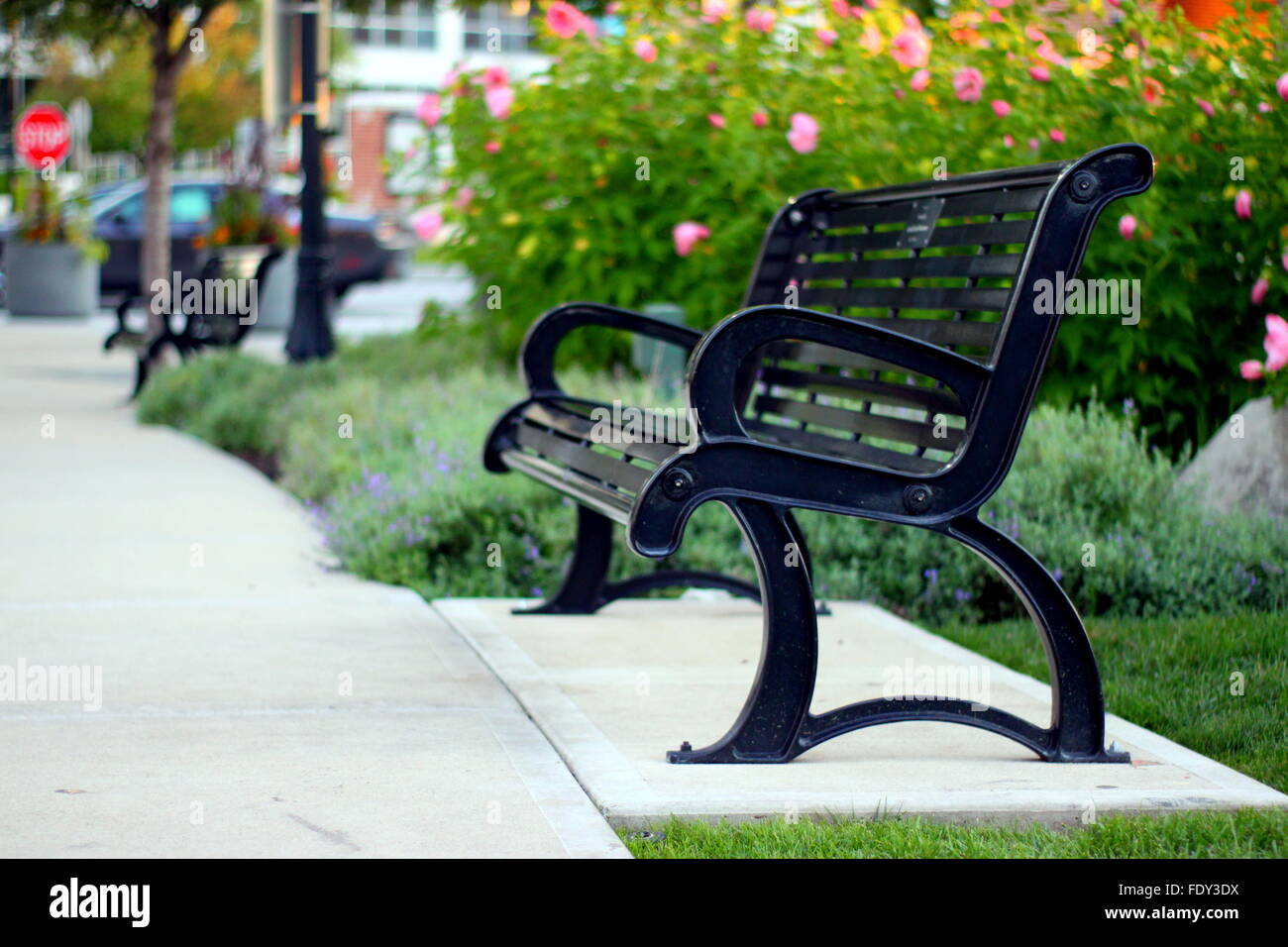 Awesome Bank Aus Metall Stockfotos Bank Aus Metall Bilder Alamy Bralicious Painted Fabric Chair Ideas Braliciousco