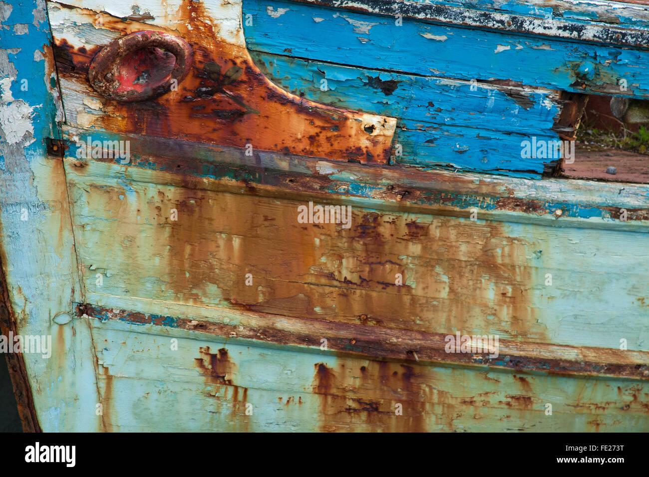 Rost und Farbe Detail auf einem alten Fischerboot, Killala, County Mayo, Irland. Stockbild
