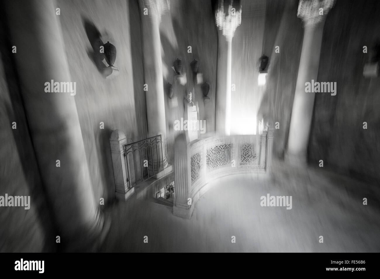Deutschland, Frankfurt, Friedhof, Eingang der Grabkammer-Halle Stockbild