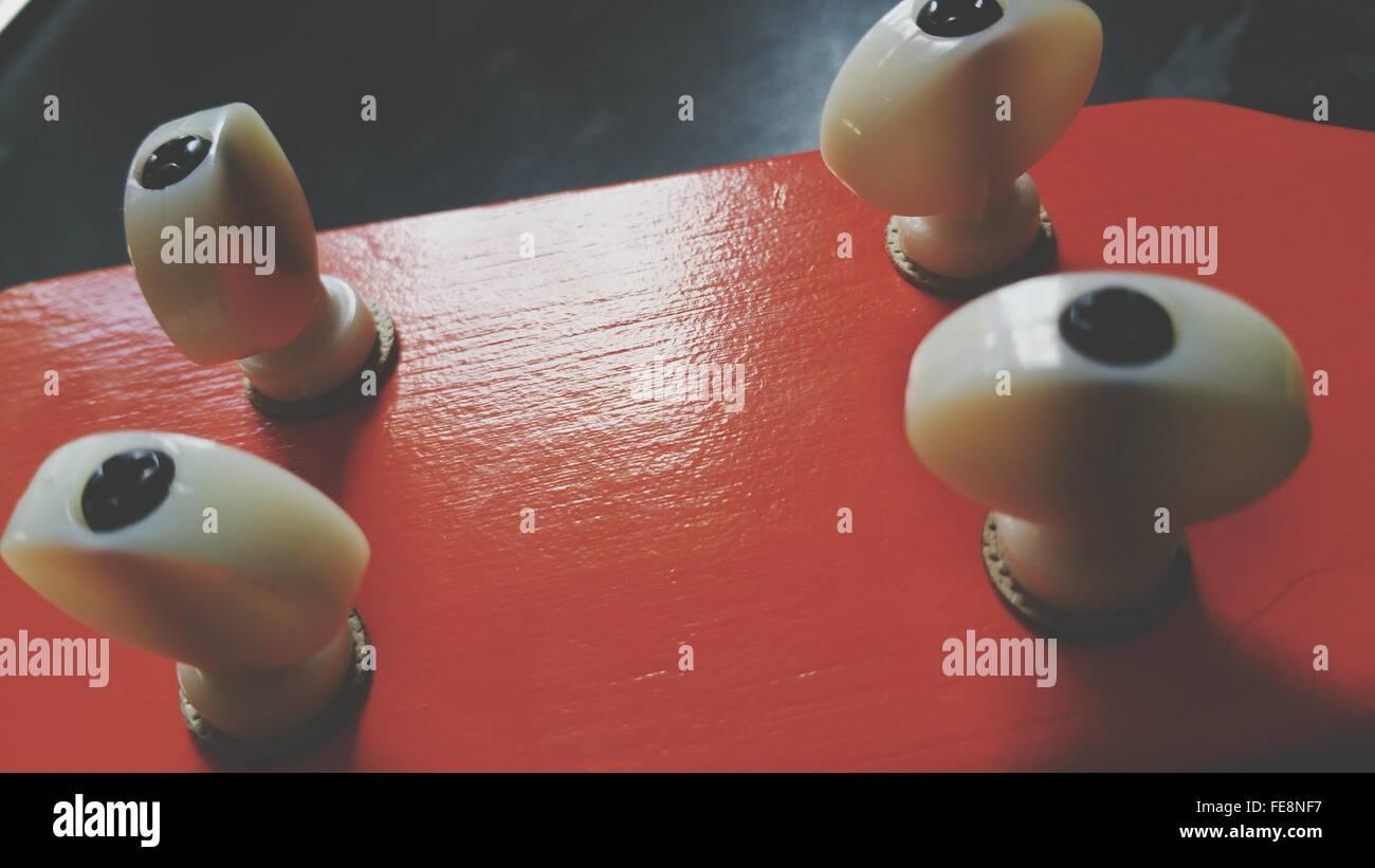Detail-Aufnahme von Gitarre Knöpfe Stockbild