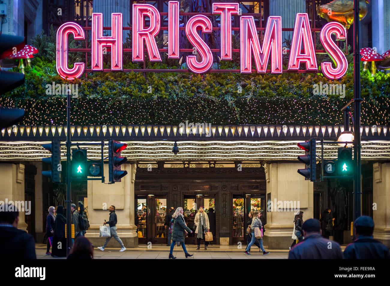 Weihnachtseinkäufer London Stockfotos & Weihnachtseinkäufer London ...