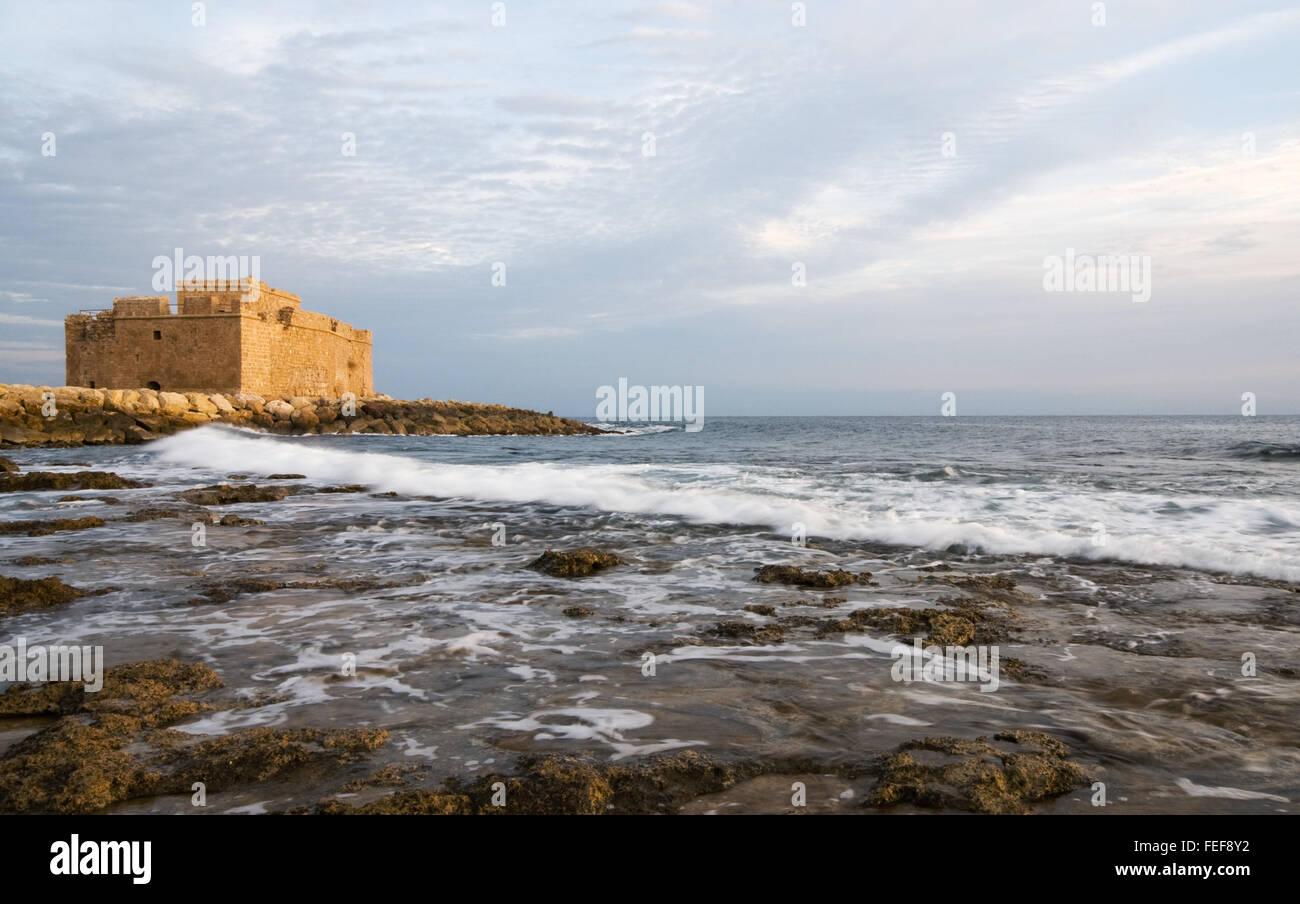 Berühmte mittelalterliche Burg in Paphos auf Zypern. Stockbild