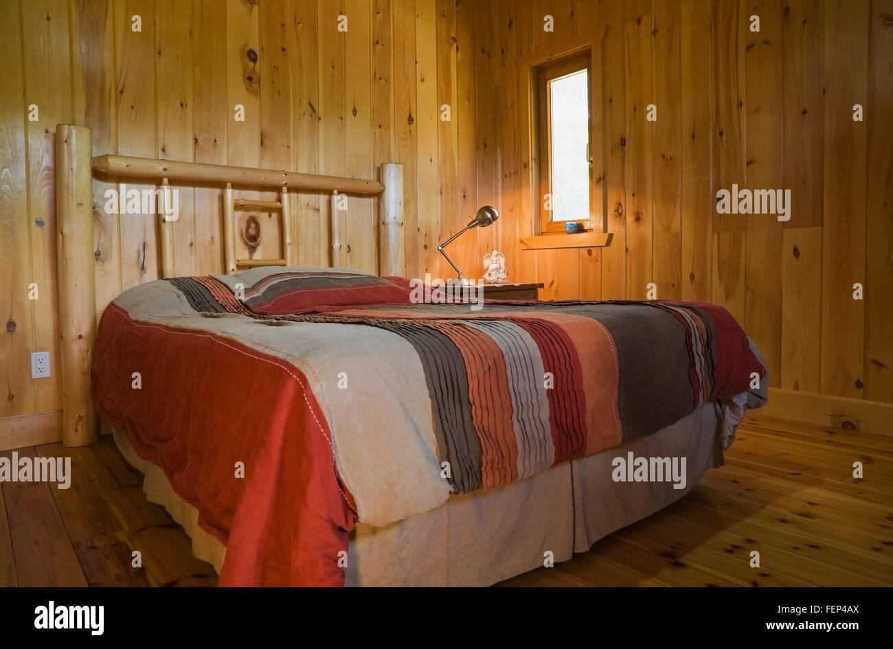 Queen Size Bed Stockfotos & Queen Size Bed Bilder - Alamy
