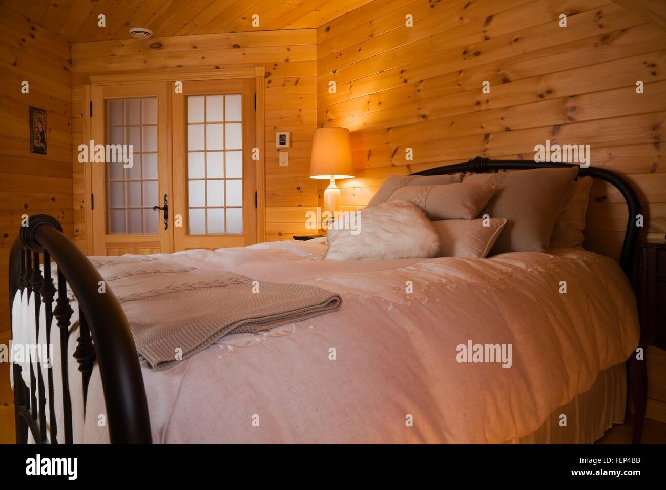 Bed Cast Iron Bed Stockfotos & Bed Cast Iron Bed Bilder - Alamy