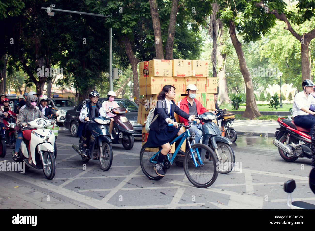 Eine typische Ansicht der Straßen von Hanoi in Vietnam Stockbild