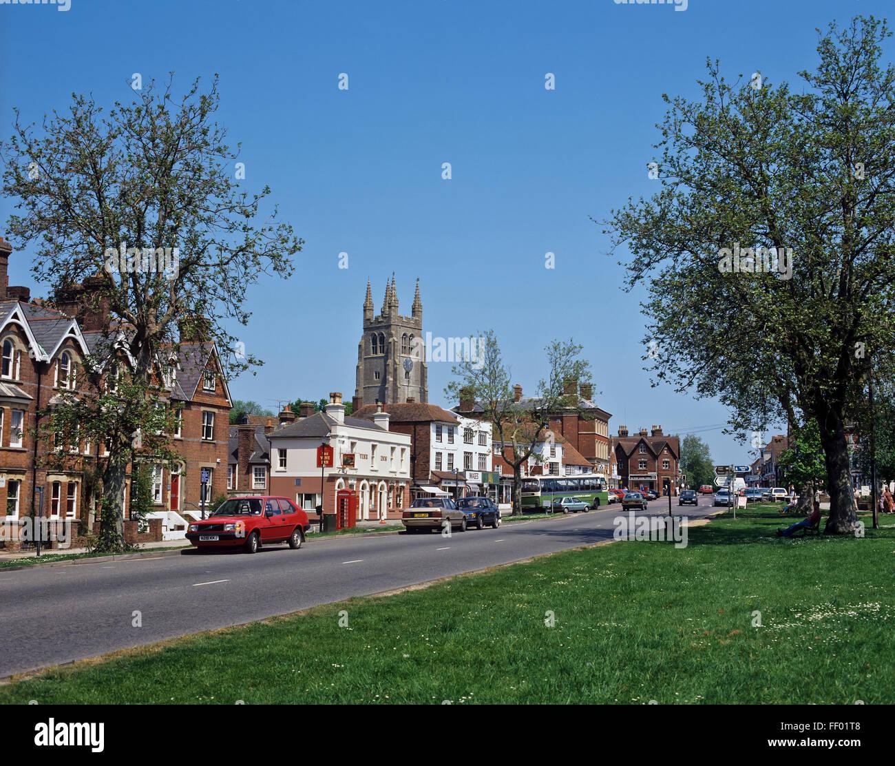 AA 7344. Archivierung der 1990er Jahre, High Street, Tenterden, Kent, England Stockbild