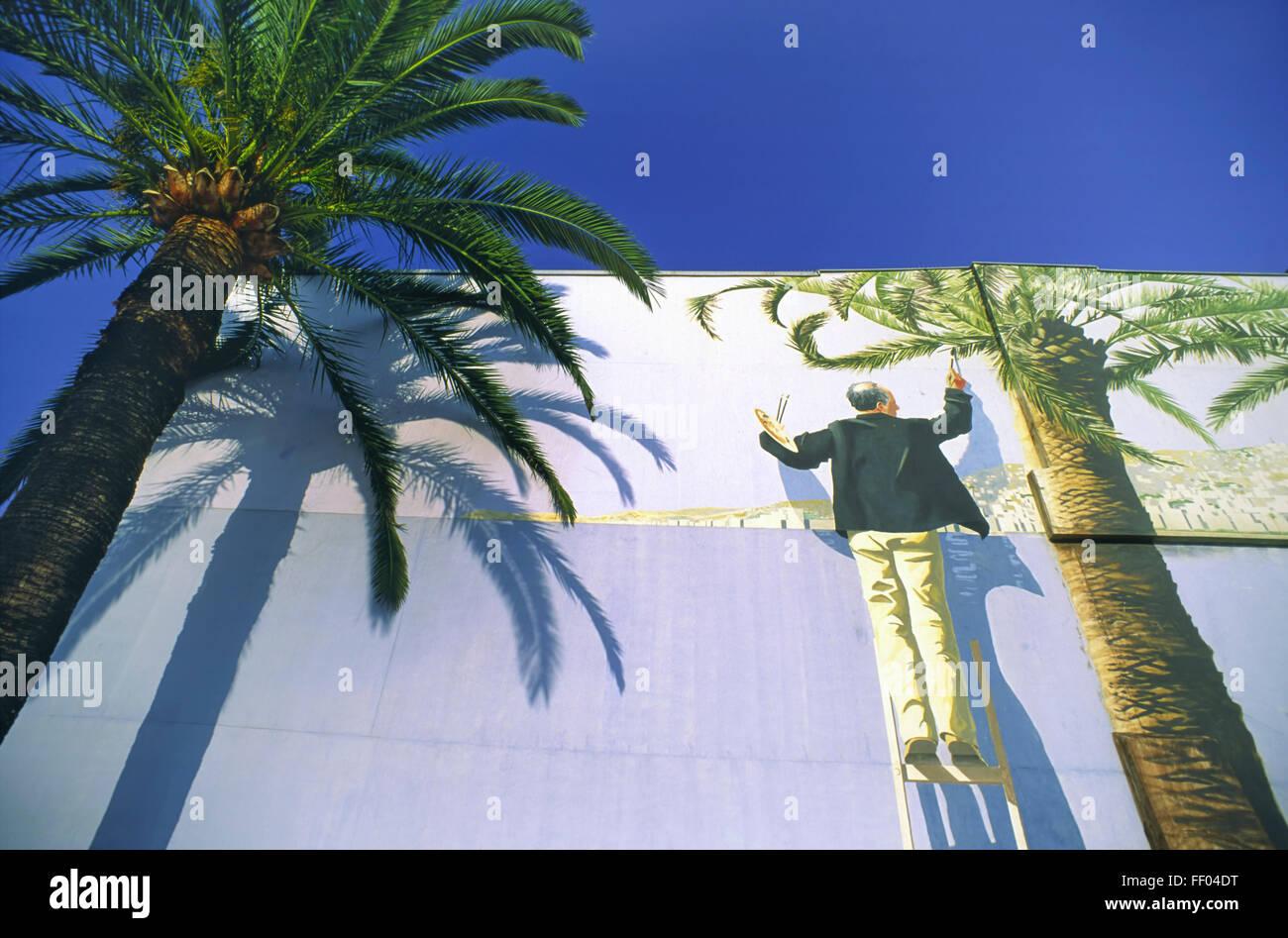 Frankreich, Nizza, Wandmalerei, palm-Baum, blauer Himmel Stockbild