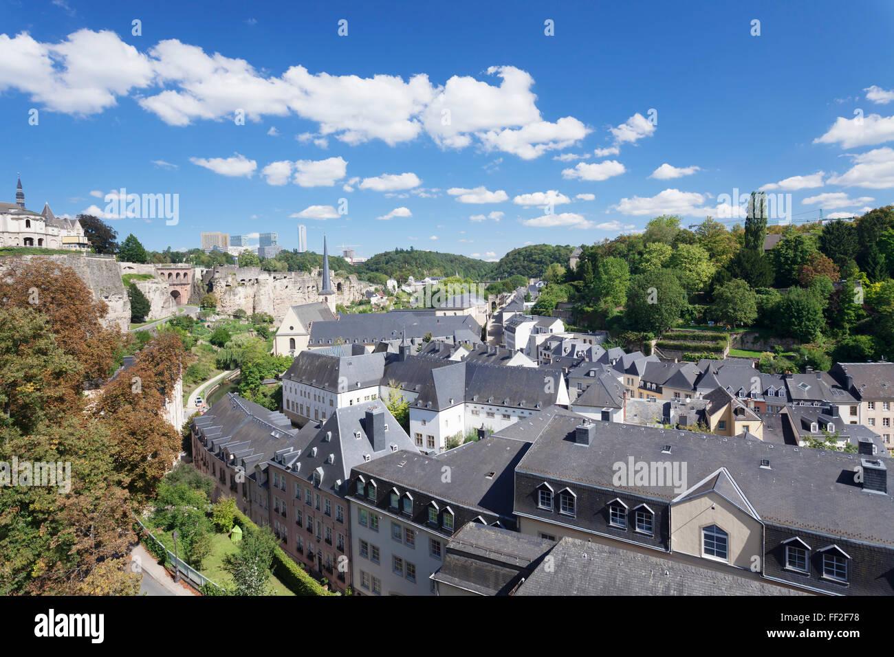 Blick über die Stadt oRMd mit Abtei Neumünster, UNESCO, Viertel Kirchberg, RMuxembourg Stadt, Großherzogtum Stockbild