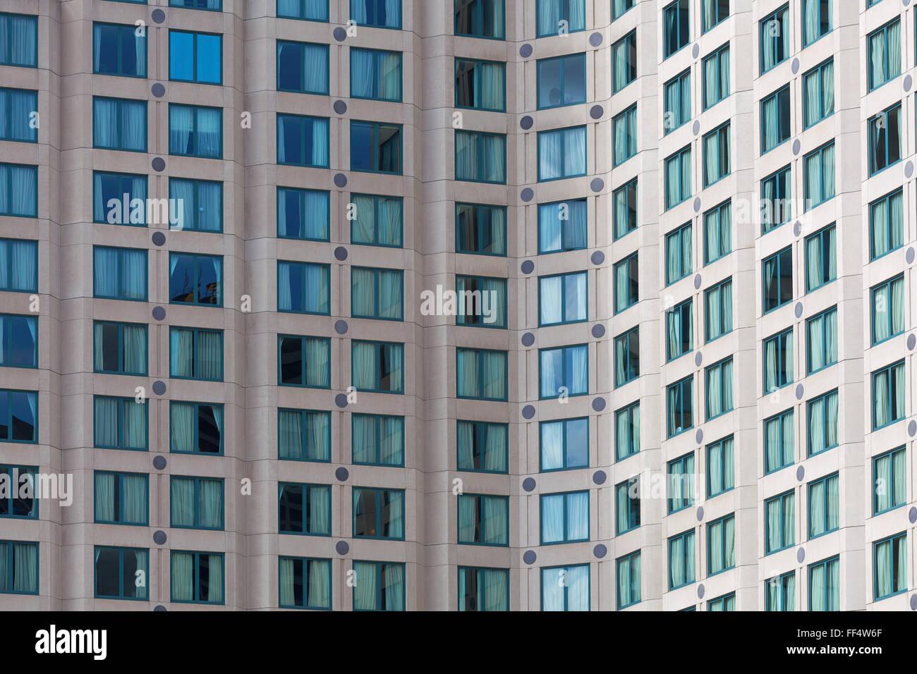 Hotel Hochhaus Fassade   Nahaufnahme Von Vielen Fenstern In Melbourne CBD.