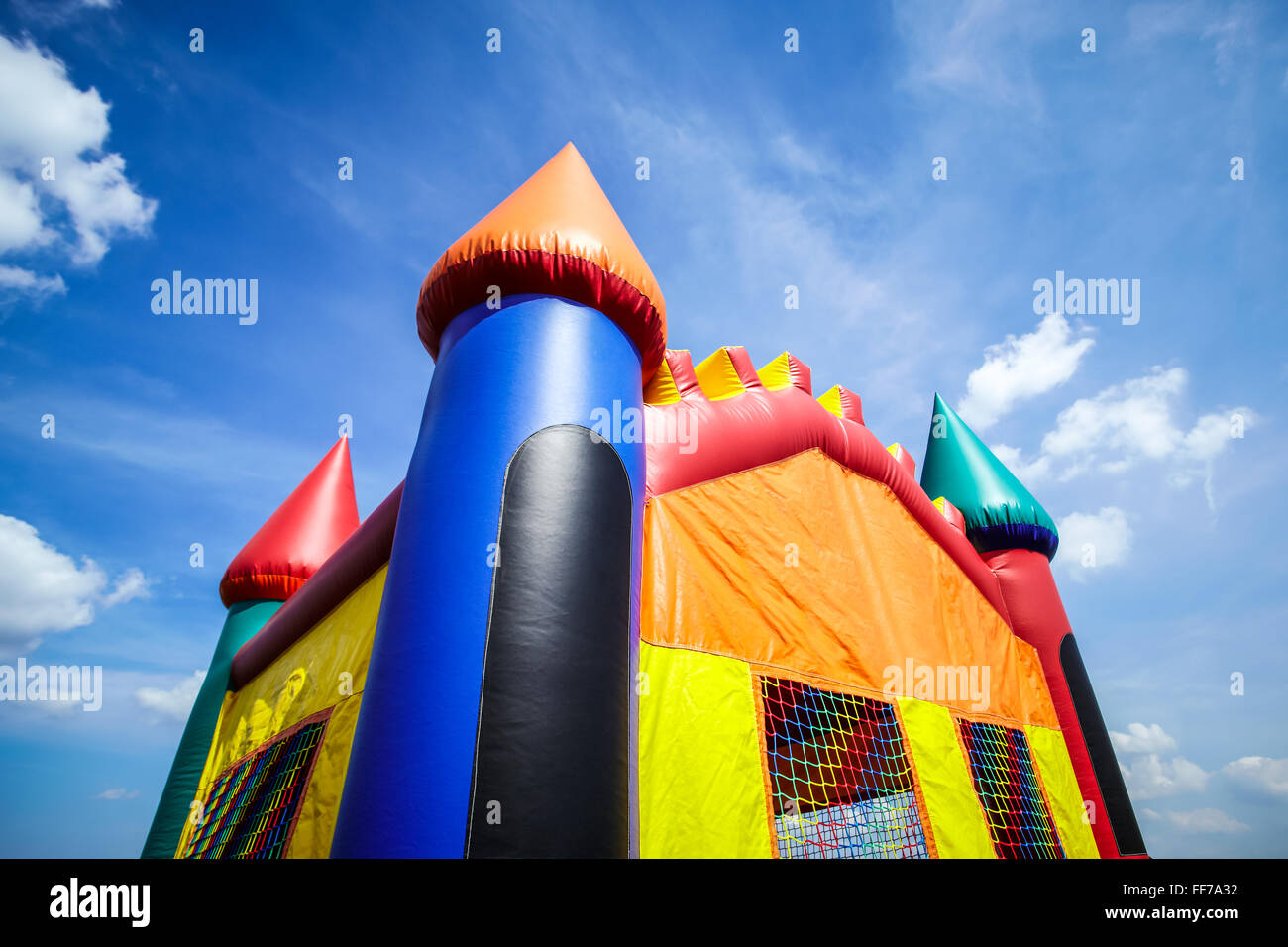 Kinder aufblasbare jumpy Haus Burg obere Hälfte. Stockbild