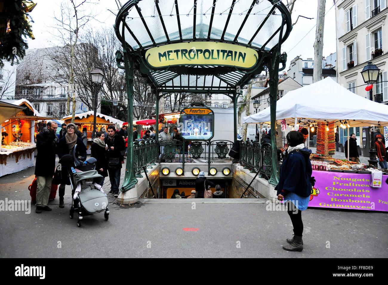 Paris Weihnachtsmarkt.Weihnachtsmarkt In Abbesses Straße Montmartre Paris Stockfoto