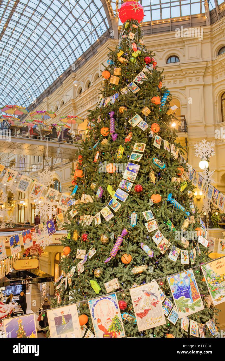 GUM-Interieur, Dekoration und Beleuchtung für Weihnachten und Neujahr Urlaub, Moskau, Russland Stockbild