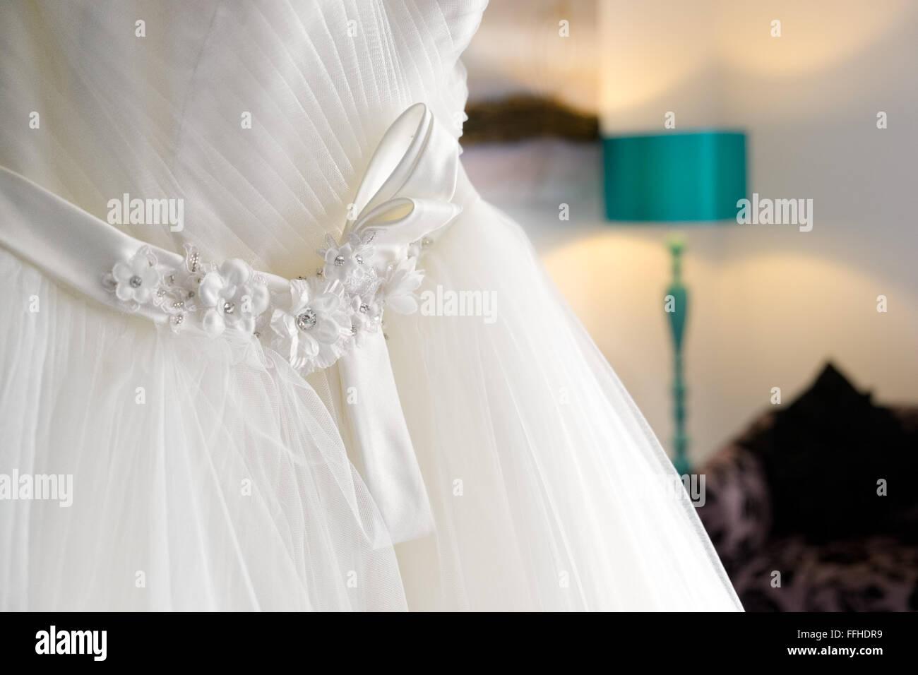 Schön Traditionelles Jüdisches Hochzeitskleid Zeitgenössisch ...