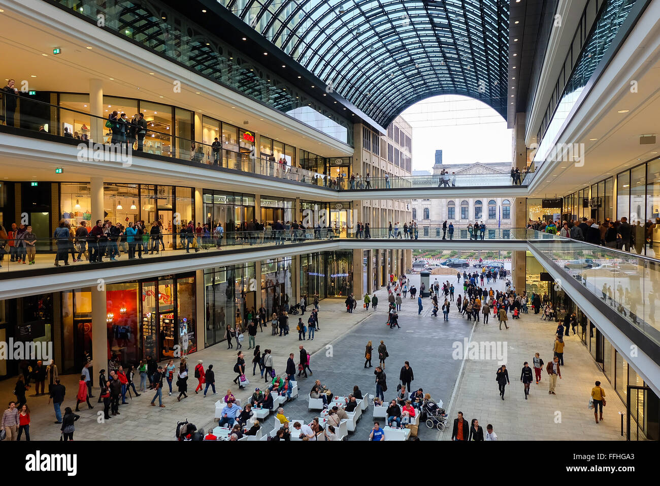 mall of berlin stockfotos mall of berlin bilder alamy. Black Bedroom Furniture Sets. Home Design Ideas