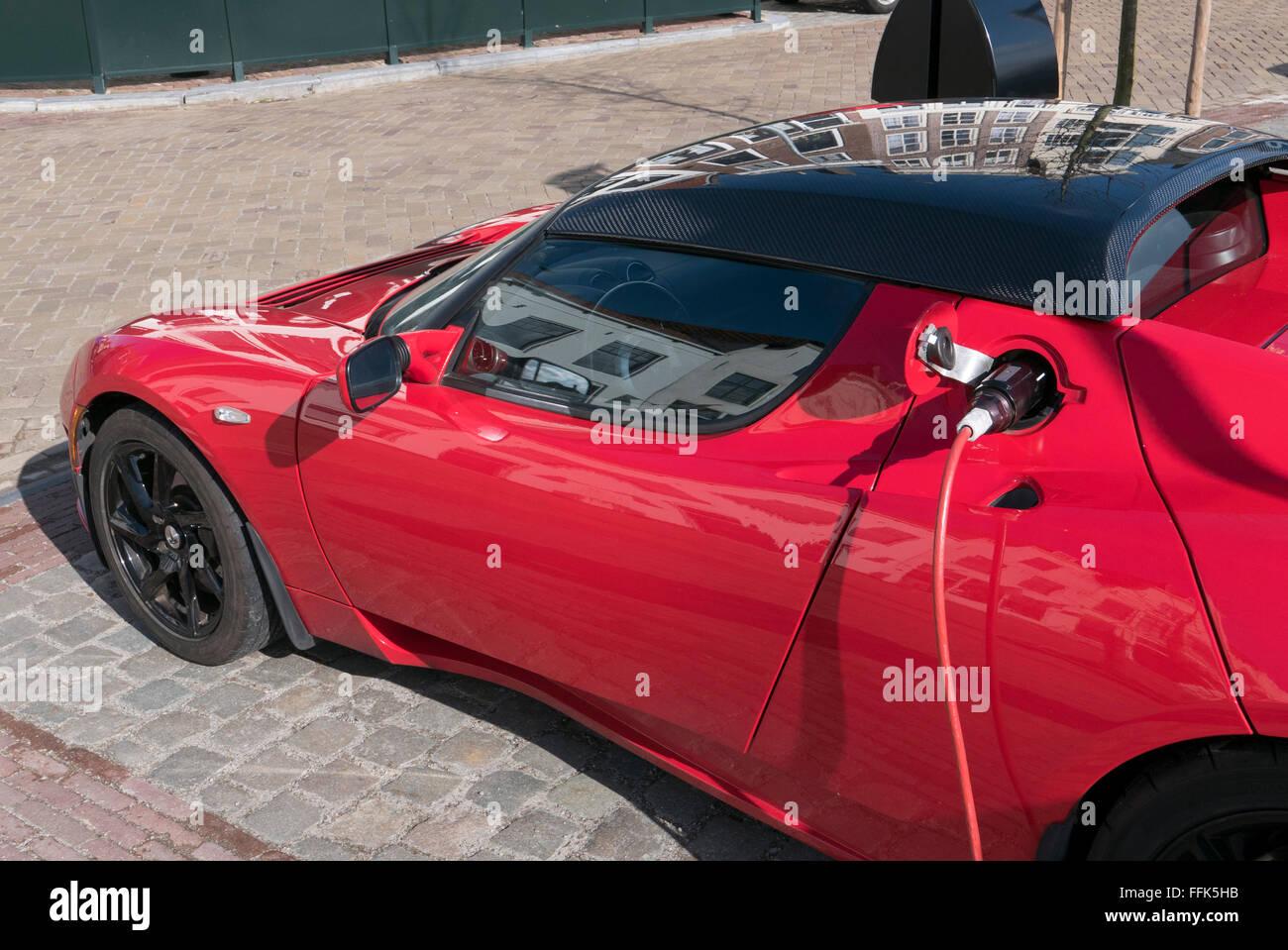 Tesla Roadster, Middelburg, Nordseeküste, Zeeland, Niederlande Stockbild