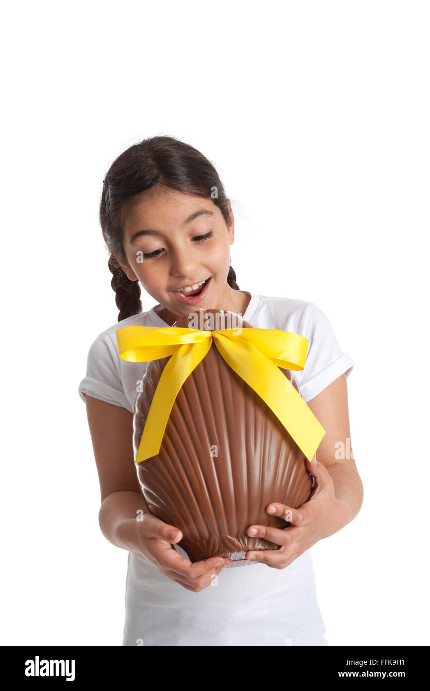 Chocolate egg and child stockfotos chocolate egg and for Kindertisch madchen